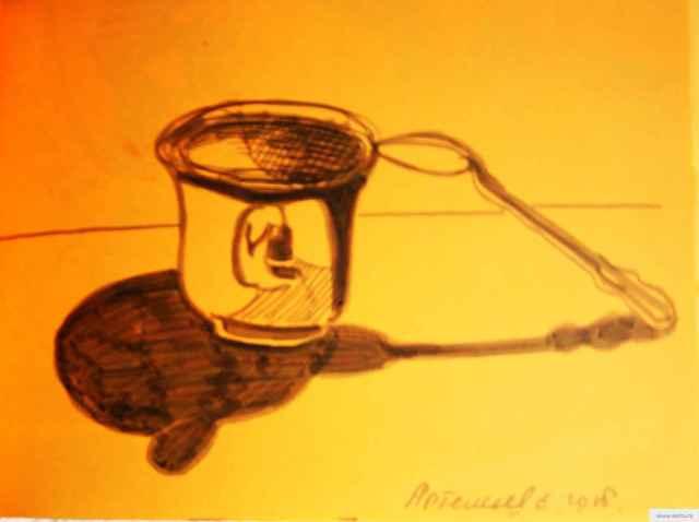 Ложка и тень рисунок/фото